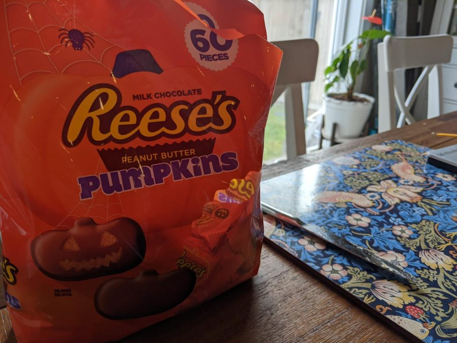 A picture for an article about the Reese's Peanut Butter Pumpkins.